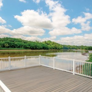 Valley Manor Apartments for rent in Edison, NJ Deck